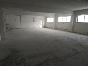 Complexo para indústria e armazenagem em Alcobaça.