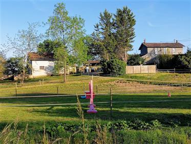 Ferme équestre(32800) 2 maisons, 6,5 ha