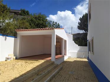 Moradia T2 em condominium com piscina privada