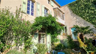 Two large attached houses/gîtes (551m2) with private gardens (65m2)
