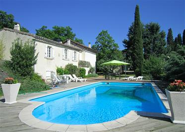 Stone house (170m2) with swimming pool and outbuilding on a plot of 5.274m2