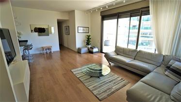 Appartement a Ramat Aviv dans le Gush Agadol
