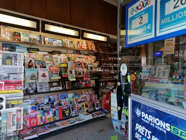 Business, Tobacco, Games press for sale in the center of Bordeaux