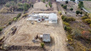 Moradia para terminar a construção na Azambuja