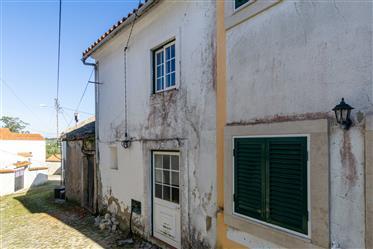 Maison à récupérer à Sancheira Grande