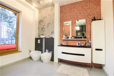 House: 320 m²