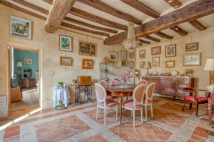 Noble Residence Of 16 / 17th And 19th Centuries Of 300M² Closed Ground Of 900M² And Pool