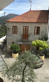 Novo Preço: Casa T2, em pedra toda recuperada e mobilada num...