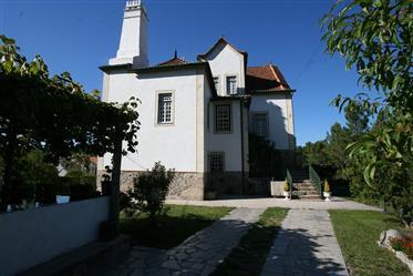 Novo Preço: Casa senhorial T7 situada a poucos Kms de Oliveira do Hospital