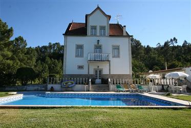Novo Preço: Casa senhorial T7 situada a poucos Kms de Olivei...