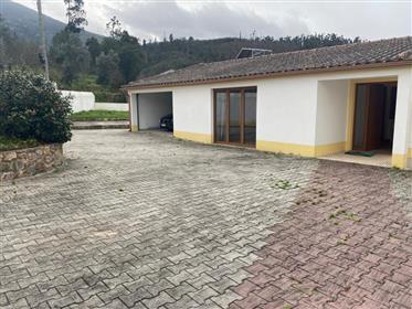Moradia T4, com jardim e logradouro, a poucos km da Lousã e de Serpins