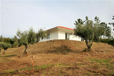 3 bedrooms new house, with land with a few minutes of Arganil