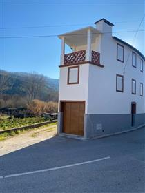 3 bedrooms Rustic House, fully recovered, with terrace, 5 min from Côja, Arganil