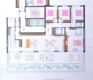 Apartamento T4: Av. Emídio Navarro