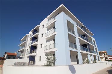 """Moderno, """"pronto usar"""" Apartamentos para venda, localizado no centro de São Martinho do Porto - Port"""