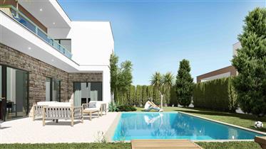 Kleine Eigentumswohnung von 4 freistehenden Villen zum Verkauf in Nadadouro an der Silberküste von