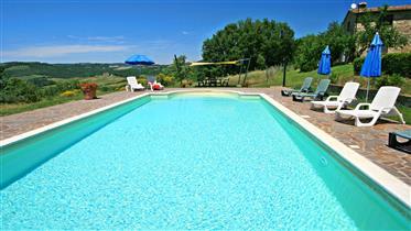 Bellissimo Casale rustico con piscina