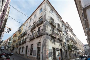 2 bedroom apartment in the middle of Bairro Alto