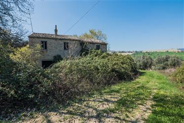 Farmhouse to restore for sale in Lapedona in Le Marche