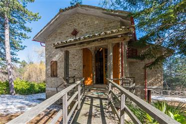 Villa for sale in Montefalcone Appenino in Marche