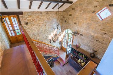 Villa à venda em Montefalcone Appenino em Marche