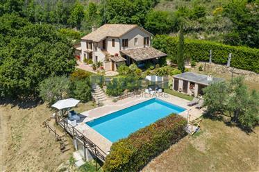 Villa in vendita a Montefiore