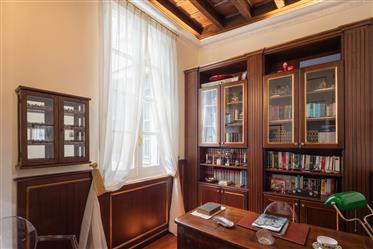 Appartement noble dans le centre de Milan
