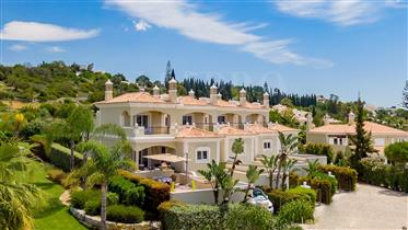 Villa De 4 Chambres Avec Vue Éloignée Sur La Mer