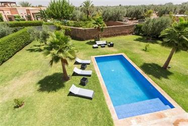 Coquette villa 3 chambres à vendre à Marrakech Route de Fès