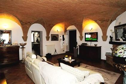 Appartamento : 157 m²
