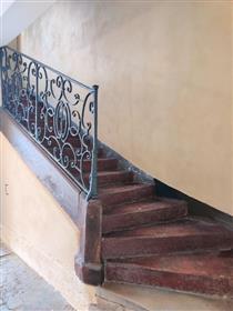 Deux pas de la place de la Bastille, 2 pièces traversant, lumineux, charme