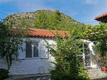 Ατμοσφαιρικό σπίτι στο Μυστράς