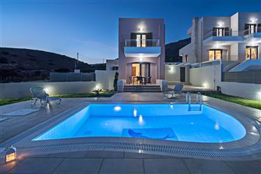 Villa mit freistehendem Studio