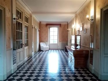 Vivenda: 560 m²