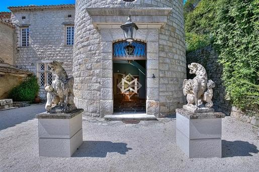 Exceptionnel château historique