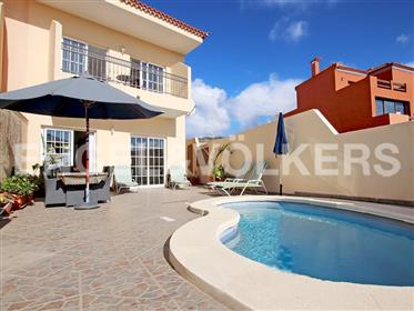 Vivenda: 130 m²
