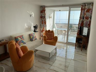 Apartamento Renovado de 1 Habitación en Bahia