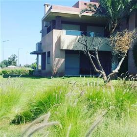 Magnifique duplex à la vente dans une résidence avec parcours de golf