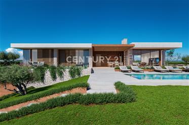 Maison : 341 m²