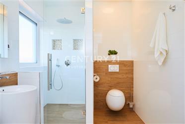 Maison : 488 m²