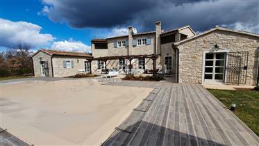 Kuća : 361 m²
