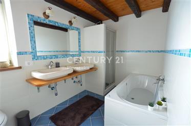 Kuća : 249 m²