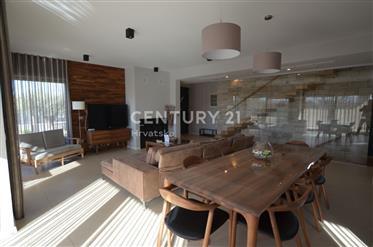 Maison : 117 m²