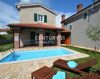 Maison : 111 m²