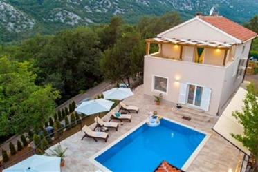 Villa with pool 5 km from Crikvenica