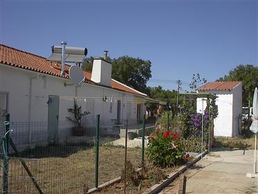 Alentejan rural property with an adjacent studio