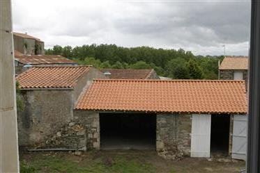 Character property south Vendee