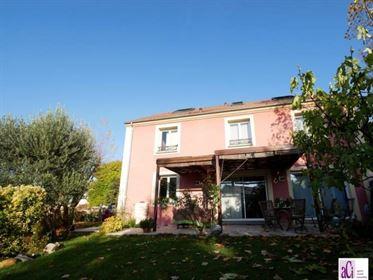 Vente maison / villa 10 pièce(s) à L Hay Les Roses : 200 m² ...