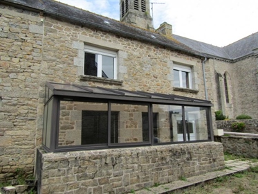 This Group of 3 Properties for sale at a Competitive Price with a Courtyard in the Heart o