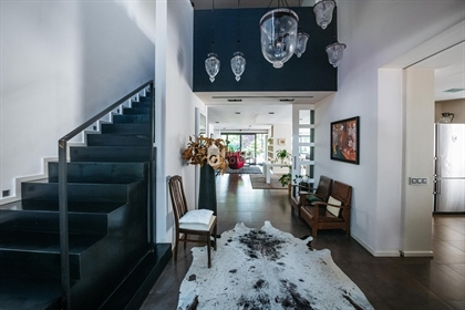 This spectacular home located in one of the most exclusive a...